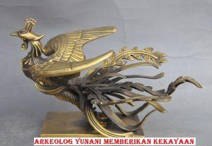 Arkeolog Yunani Memberikan Kekayaan